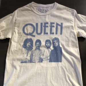 """Urban Outfitters """"Queen"""" T-Shirt woman's small"""